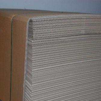 Köztes hullámpapír lemez 750x1150mm 3 rétegű (0110B)  EUR raklapra, 550db/raklap